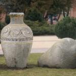 Трипільські вази серед Європейської площі