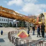Крутиться, світиться і мало не злітає: Бориспіль зустріне Великдень із новою писанкою