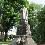 В'ятрович пояснив, чому пам'ятник Ватутіну лишається у центрі Києва
