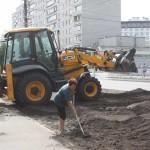 Осінній благоустрій на Головатого: відремонтовано дорогу, тротуари, озеленюють узбіччя