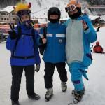 Долали засніжені Карпатські схили та грілися в чанах: як туристи зимові канікули провели