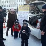 Різдво з патрульними: як правоохоронці з малечею колядували