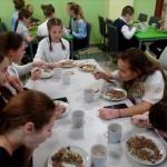 Ячневі боли і бігос: у бориспільському ліцеї смакують страви за рецептами Клопотенка