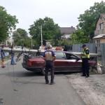 Автівка знову знесла електроопору: водій був напідпитку