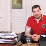 #ЧашкаПрем'єра: Гончарук запустив відеоблог