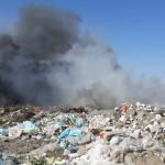 Біля Борисполя горіло сміттєзвалище: вогонь дістався до очисних споруд