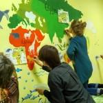 Яскрава географія: художники розмалювали стіни в амбулаторії № 2