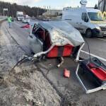 Моторошне ДТП в Пролісках: автівку розірвало навпіл, водій загинув