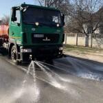 У Горі показали, як проводять санітарне оброблення автодоріг