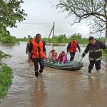 Негода в Україні: підтоплено 285 населених пунктів, зруйновано 64 мости