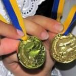 МОН: Золоту та срібну медалі можна отримати без атестації –