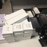 У пасажира рейсу з Еміратів київські митники вилучили 46 незадекларованих гаджетів Apple вартістю 22,8 тисячі євро